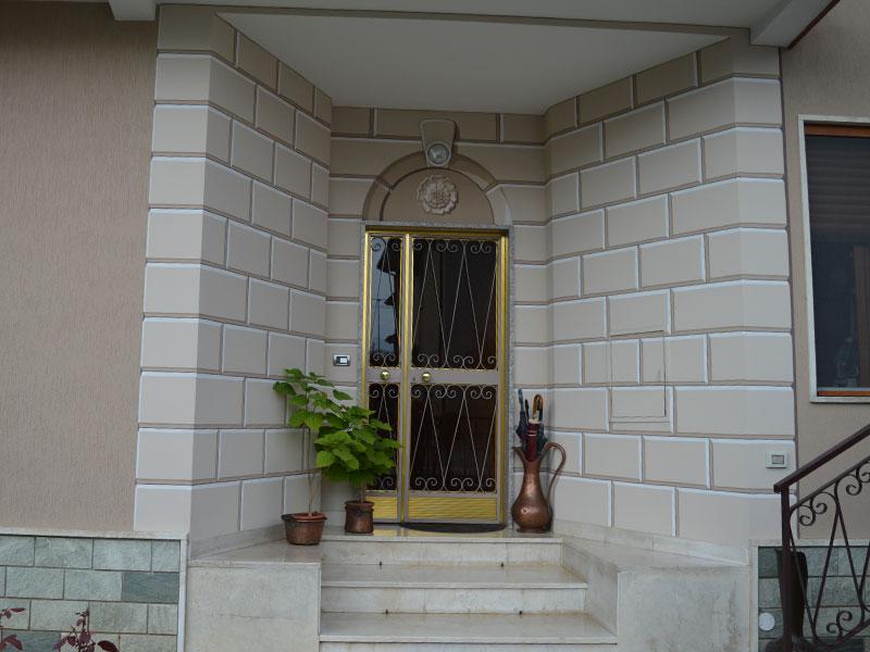 Dettaglio entrata di un'abitazione