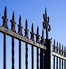 Verniciatura di ringhiere e recinzioni in ferro